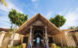 sands-suites-mauritius-entrance