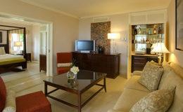 suite-lounge-sugar-beach