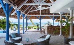 veranda-biches-mauritius-bar-sand